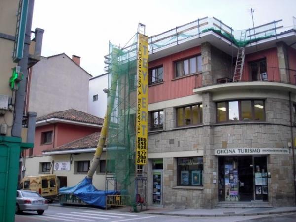 Tejados rehabilitacion de edificios reformas oviedo for Oficina de turismo gijon